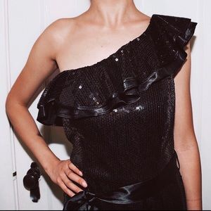 Dresses & Skirts - Cute One Shoulder Black Metallic Sequin PartyDress